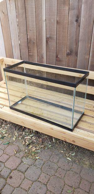 29 gallon glass aquarium for Sale in Davis, CA