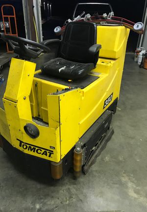 Tomcat ride on floor scrubber for Sale in Everett, WA