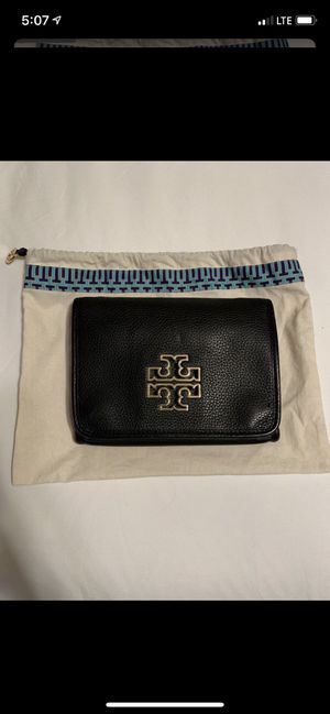 Tory Burch Black Crossbody bag with gold detail for Sale in Fresno, CA