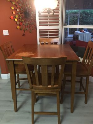 Oak table and chairs for Sale in Tampa, FL