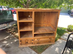 TV stand with book shelves for Sale in San Fernando, CA