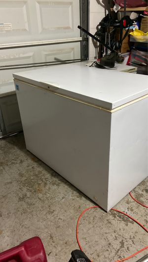 Chest freezer 12 cubic feet for Sale in Seffner, FL