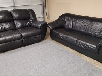 Beautiful Black Leather Couch Set for Sale in Renton,  WA