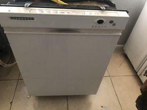 Free dishwasher and fridge for Sale in Oakland Park, FL