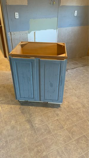 L shaped kitchen cabinets 8x9 with multiple items for Sale in Tampa, FL