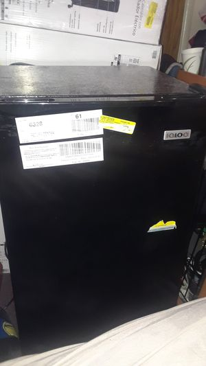 IGLOO REFRIGERATOR for Sale in Richmond, CA
