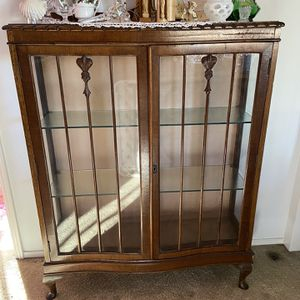 Vintage Vitrine for Sale in Ladera Ranch, CA