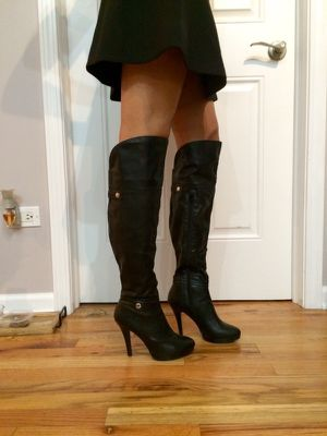 Black knee high boots. Size 6 for Sale in Chicago, IL