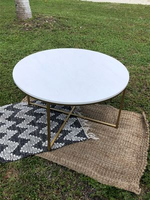Chic Faux Marble Round Coffee Table for Sale in Boca Raton, FL