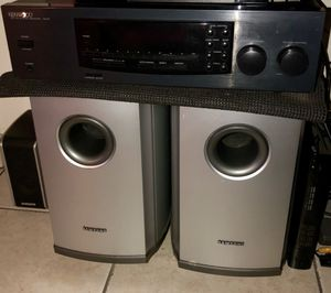 Amplifier and speakers for Sale in South Gate, CA