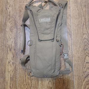 CAMELBAK MAXIMUM GEAR HYDRATION BACKPACK for Sale in Vancouver, WA