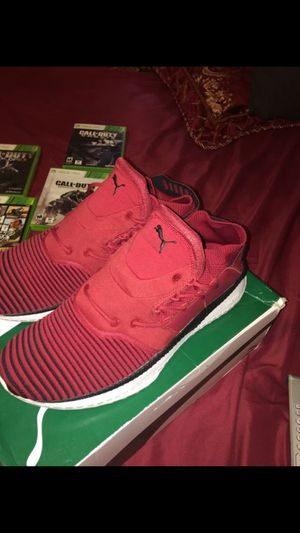 PUMA RED DAHLIA sneakers for Sale in Fuquay-Varina, NC