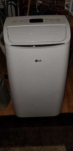 LG portable air conditioner model lp081818wnr for Sale in El Cajon, CA
