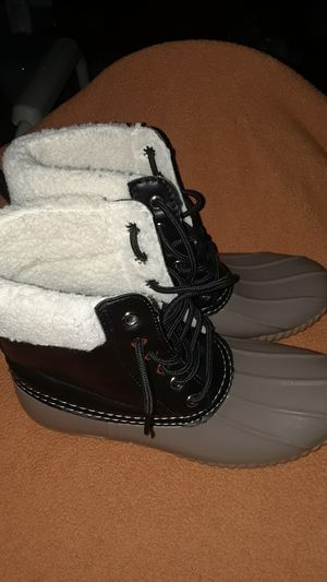 Soho give woman snow boots for Sale in Hyattsville, MD