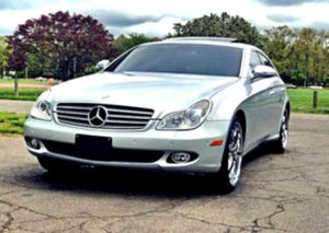 _2OO6_ Mercedes-Benz CLS V8 ✉ for Sale in Oakland, CA
