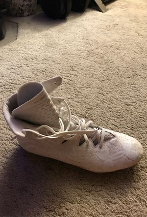 White under armor football cleats for Sale in Kapolei, HI