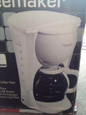 NEW Signature coffee maker,open box,never used! for Sale in Okeechobee, FL