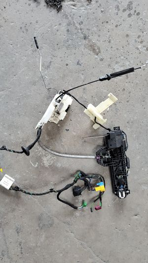 Mercedes cls 550 door handle and actuator front left for Sale in El Cajon, CA