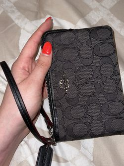 Coach Wristlet Wallet for Sale in Issaquah,  WA