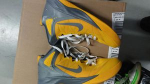 Used nike hyperfuse size12 for Sale in Bronx, NY