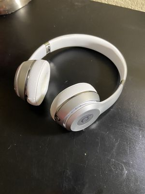 Beats solo 3 wireless headphones (no trades) for Sale in Riverside, CA