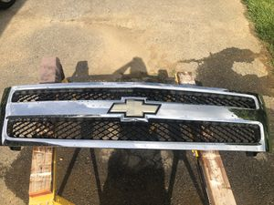 Chevy Silverado OEM 2007 grill for Sale in Mount Joy, PA