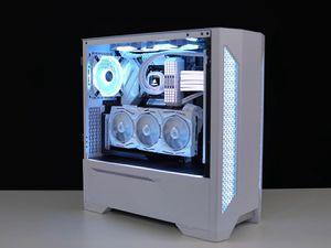 FROST WHITE Ultimate Gaming PC for Sale in Bloomfield Hills, MI