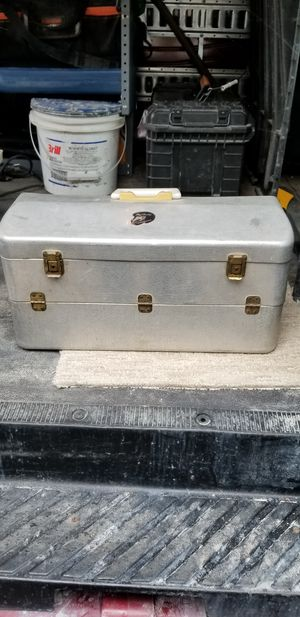 My buddy tacklemaster tackle box for Sale in Westerville, OH