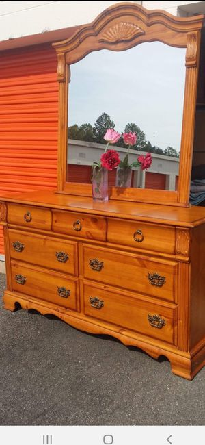 QUALITY SOLID WOOD LONG DRESSER WITH BIG MIRROR AND BIG DRAWER DRAWER WORKING WELL GREAT CONDITION for Sale in Fairfax, VA