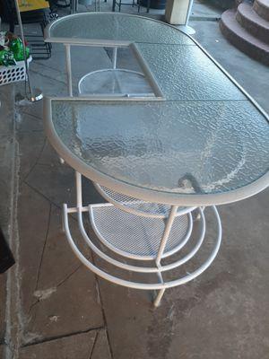 Barra de bidrio y metal for Sale in Gardena, CA