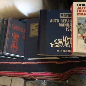 Various Chiltons Manuals for Sale in Albuquerque, NM