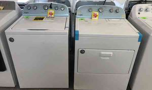 Whirlpool washer dryer set Z4LXV for Sale in El Paso, TX