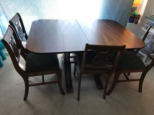 Table and 4 murphy 306 chairs for Sale in San Leandro, CA