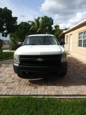 Chevy Silverado 2007 ...140k millas...titulo limpio for Sale in FL, US