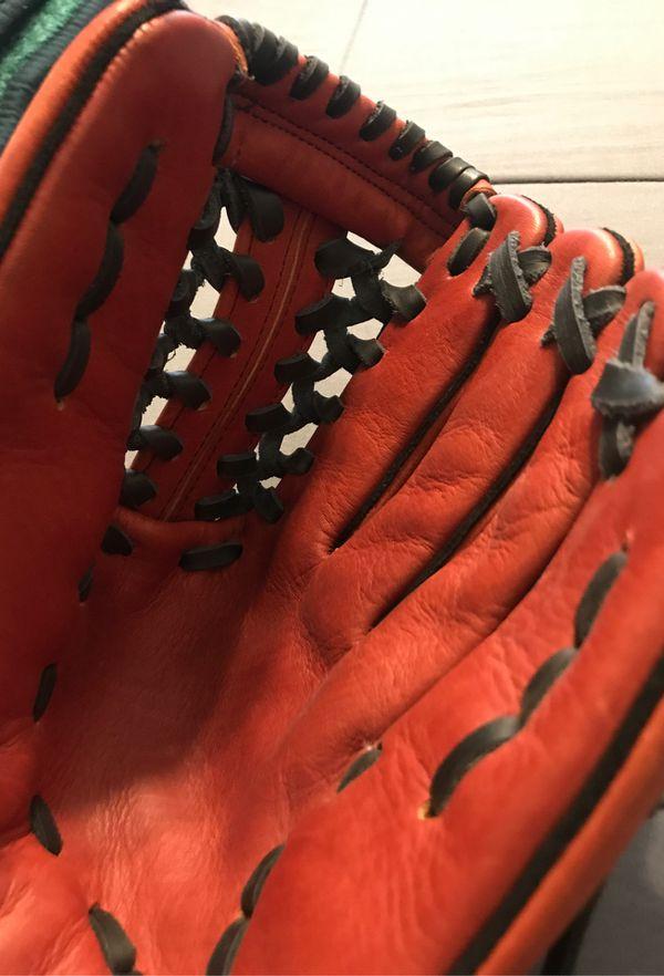 Salinas Leather Baseball Glove