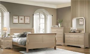 ONE DAY SALE Champagne Louis Phillipe Queen 5pc bedroom Set for Sale in Garden City, NY