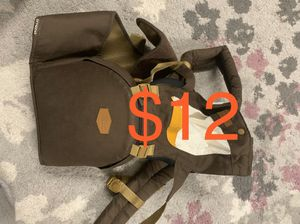 Baby carrier with seat at the waist for Sale in Boynton Beach, FL