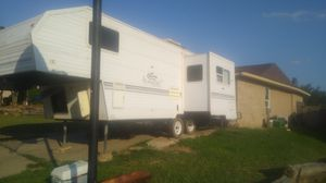 1999 keystone lite camper gooseneck trailer for Sale in Watauga, TX