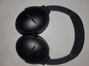 Bose Quiet Comfort 35 QC35 Headphones over ear sound canceling for Sale in Stafford, TX