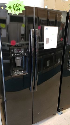 GE Refrigerator for Sale in Miramar, FL