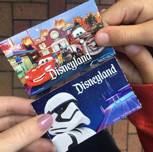 I need disneyland tickets 😫 for october 26th for Sale in Fallbrook, CA