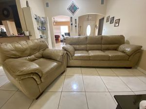 Living Room Tan leather Couch for Sale in Orlando, FL