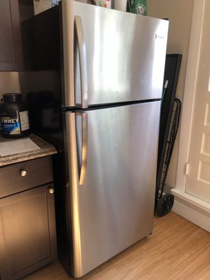 Frigidaire 20.4-cu ft Top-Freezer Refrigerator (EasyCare Stainless Steel) for Sale in Boston, MA