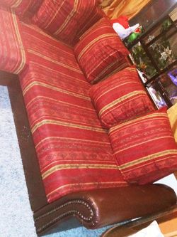 Sofas Free for Sale in Mount Rainier,  MD