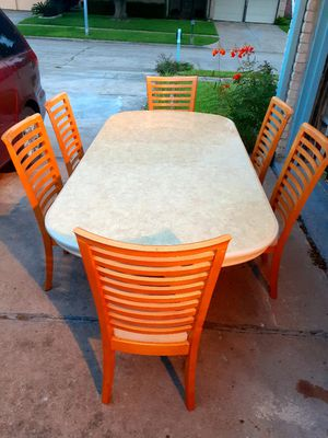 🍅🌿Dining room table with 6 chairs. Good condition . Table has a leaf. 🍅🌿 for Sale in Houston, TX