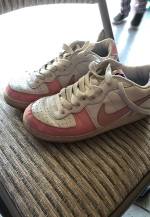 Nike shoes sz 8 for Sale in Fairfield, CA