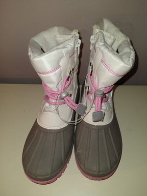 Girls Cat & Jack Snow Boots Size 4 Gray/Pink/White Thermolite Lined NEW for Sale in Arlington Heights, IL