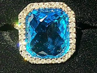 14k White Gold And Blue Topaz SIZE 6.5 for Sale in Bridgeport,  WV