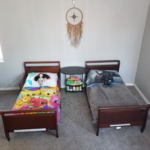 Two LIKE NEW toddler beds with mattresses for Sale in Menifee, CA