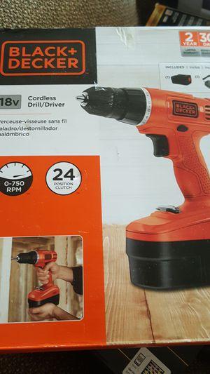 Black & Decker 18 volt cordless drill driver for Sale in Detroit, MI